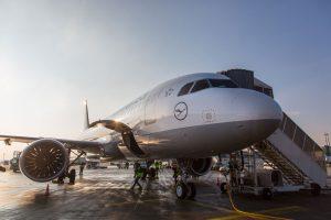 Grupo Lufthansa vai contratar mais de 8000 novos empregados em 2018