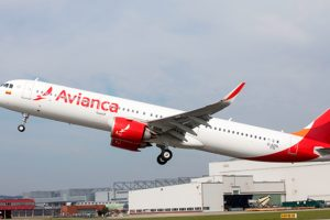 Azul assina acordo para adquirir nova empresa com ativos da Avianca Brasil