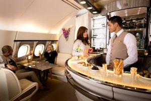 Emirates anuncia melhorias no Onboard Lounge do A380