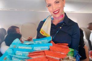 """Patrocinadora do Samba Recife, Azul freta avião e leva artistas em """"voo do Samba"""""""