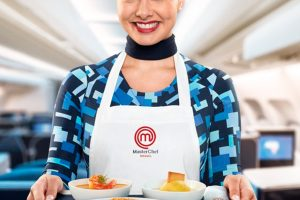 Azul inova a bordo com menu exclusivo preparado por participantes do MasterChef Brasil