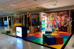 Azul e Disney World inauguram espaço infantil em Viracopos