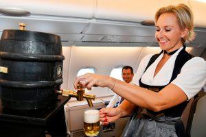 """""""Cerveja do barril """" a bordo dos voos da Lufthansa"""