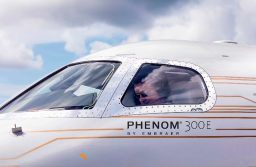 Phenom 300 da Embraer é o jato executivo mais entregue no mundo pelo sétimo ano consecutivo