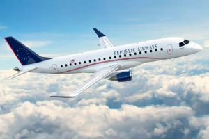 Embraer e Republic Airways assinam contrato para 100 jatos E175