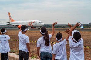 Aeroporto de Brasília recebe 45 crianças em terceira edição de evento de fotografia aeronáutica para crianças