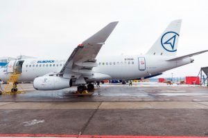 """Primeiro voo de teste do SSJ100 com """"saberlets"""" realizado com êxito"""