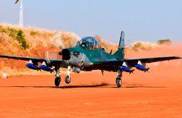 Embraer e Sierra Nevada Corporation recebem encomenda de 12 aeronaves A-29 Super Tucano para a Força Aérea da Nigéria